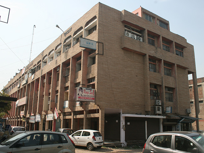 Local Shopping Centre Shrestha Vihar